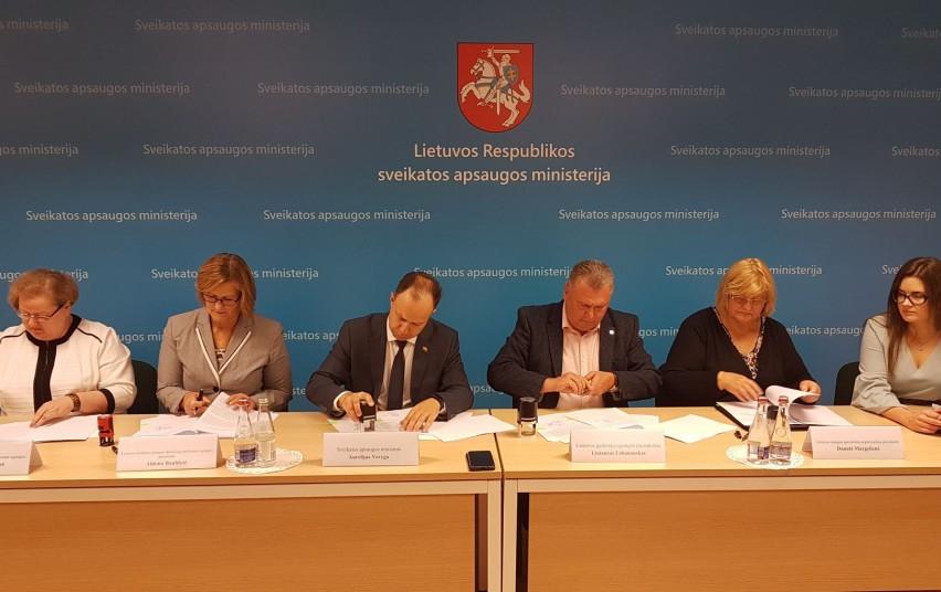 SAM ir medikų profesinės sąjungos kolektyvine sutartimi gerina sąlygas darbuotojams